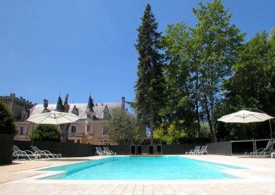A huge family friendly chateau with a heated, enclosed pool