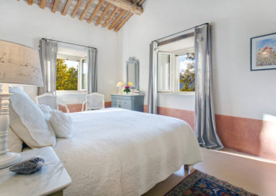 Luxury villa in Provence bedroom 3