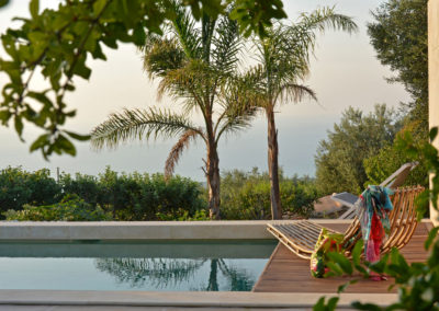 Luxury villa in Sicily poolside 3