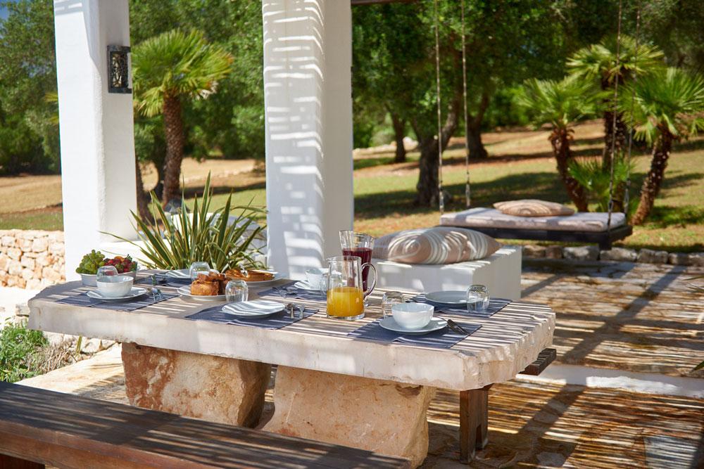 Trulli Puglia with pool